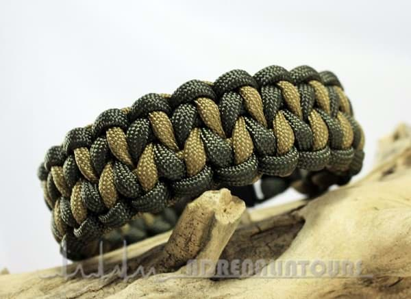 Bild von Paracord Armband DRAGON TEETH - olive / schlamm