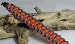 Bild von Paracord Armband DRAGON TEETH - grau / orange