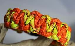 Bild von Paracord Armband GECKO  orange / explode gelb orange lizzard